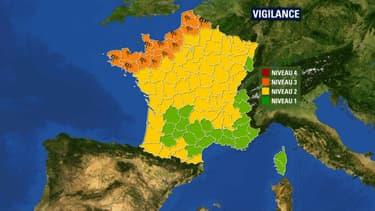 13 départements sont placés en vigilance orange ce samedi soir.