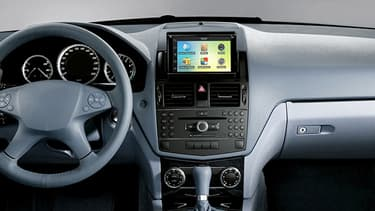 Parrot Automotive développe des solutions d'infos et de divertissements pour équiper les voitures connectées.