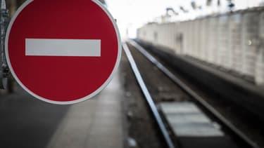Le gouvernement souhaite aller vite, mais les syndicats ont prévenu qu'ils n'accepteraient pas le recours aux ordonnances pour transformer la SNCF.