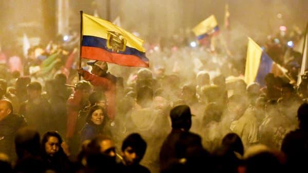 Le mouvement indigène célèbre le retrait d'un décret sur la hausse des carburants à Quito, en Equateur, le 13 octobre 2019