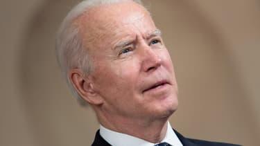 """Joe Biden va dévoiler jeudi, lors de son sommet sur le climat, un nouvel objectif américain de réduction des émissions polluantes quasiment doublé, pour marquer le retour de l'Amérique dans la lutte contre le réchauffement et pousser le reste du monde à """"relever ses ambitions""""."""