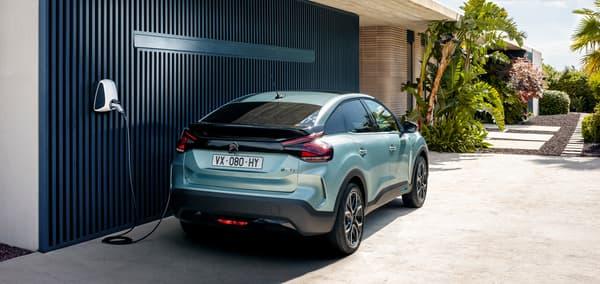 La nouvelle Citroën C4, ici en version électrique, la ë-C4