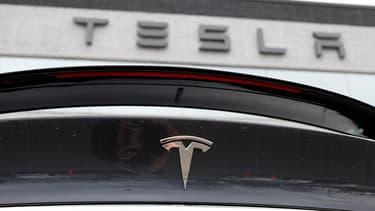 Tesla accuse un ancien salarié de vol