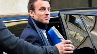 Emmanuel Macron a évoqué de possibles sanctions contre la Pologne s'il est élu.