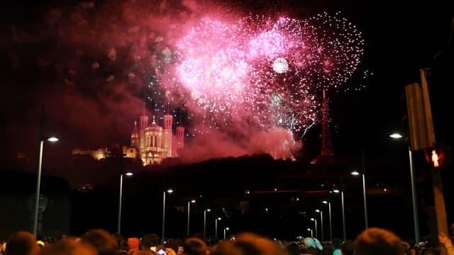 Le feu d'artifice à Lyon lors du 14 juillet 2014