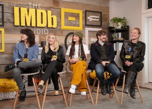 Chloë Moretz à Sundance, entourée de la réalisatrice Desiree Akhavan et des acteurs  Sasha Lane, John Gallagher Jr. et Jennifer Ehle en janvier 2018