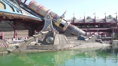 Détail de l'attraction Space Mountain de Disneyland Paris.