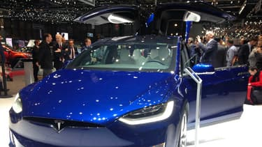 Tesla présente jusqu'au 13 mars u public européen le Model X au salon de Genève.