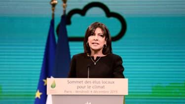 Anne Hidalgo lors du Sommet des élus locaux pour le climat, le 4 décembre 2015 à l'occasion de la Cop 21.
