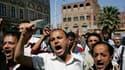 Manifestation antigouvernementale à Sanaa. Le parti au pouvoir au Yémen a proposé un dialogue à l'opposition en vue de mettre fin aux manifestations hostiles au gouvernement. /Photo prise le 29 janvier 2011/REUTERS/Khaled Abdullah