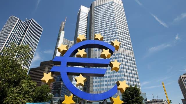 La BCE va massivement prêter aux banques, afin que celle-ci financent à leur tour les entreprises.