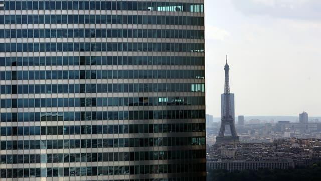 """""""Ce que nous proposons est un progrès"""" alors que """"jusqu'ici, les propriétaires de ces bureaux voulaient les laisser vacants"""", a affirméle ministre de la Cohésion des territoires Jacques Mézard."""