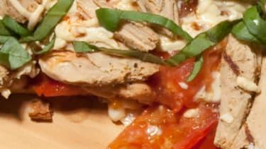 Beyond Meat, une start-up américaine, a mis au point une protéine végétale qui a le goût, l'apparence et la texture d'un blanc de poulet.
