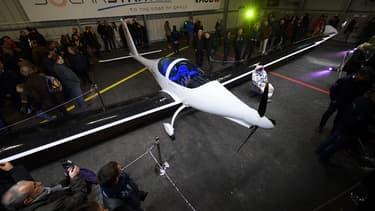 Présenté à la presse le 7 décembre 2016, l'avion solar SolarStratos effectuera ses premiers vols tests au cours de l'été 2017.