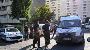 Des policiers dans les quartiers nord de Marseille, en 2012.