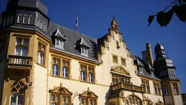 Le palais du gouverneur militaire de Metz, devant lequel un militaire a été grièvement blessé à la tête par un tir.