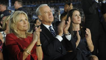 Jill Biden, Joe Biden et Ashley Biden, applaudissant Barack Obama lors de la Convention Nationale Démocrate le 28 août 2008