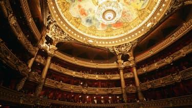 Des travaux sur les cloisons des loges de l'Opéra Garnier rencontrent l'opposition de défenseurs de l'édifice.
