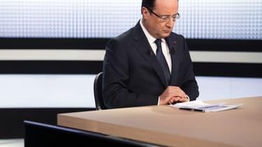 François Hollande préparant une intervention sur France 2, le 28 mars 2013.