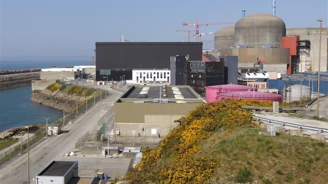 La centrale de Flamanville. Les députés écologistes demandent la création d'une commission d'enquête parlementaire pour faire toute la lumière sur la filière nucléaire française après les ratés, selon eux, de l'EPR en Finlande, en Grande-Bretagne et en Ch