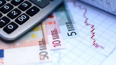 Dans le détail, la conjoncture défavorable a pesé sur les rentrées fiscales qui ont été inférieures de 3,5 milliards d'euros par rapport à la prévision de novembre.