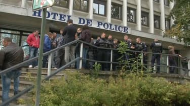 Le forcené abattu par les policiers ce vendredi à Echirolles, en Isère, a été atteint mortellement d'une balle sur les cinq tirées par les policiers.