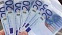 La dette publique de la France a diminué de 3,6 milliards d'euros au troisième trimestre pour atteindre 1.688,9 milliards fin septembre, soit approximativement 85,3% du PIB, selon les statistiques publiées mercredi par l'Insee. /Photo d'archives/REUTERS