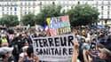 Des manifestants à Paris contre les mesures sanitaires, le 31 juillet 2021