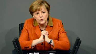 """Angela Merkel a donné les pistes pour corriger """"la face sombre du marché du travail""""."""