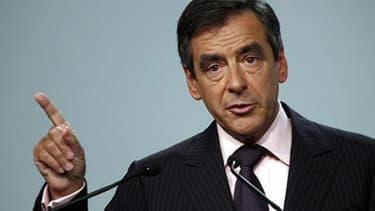 """""""Il y en a marre de penser que François n'est pas déterminé, ça suffit"""", dit un proche de François Fillon."""