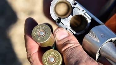 Chargement d'un fusil de chasse, le 30 septembre 2018