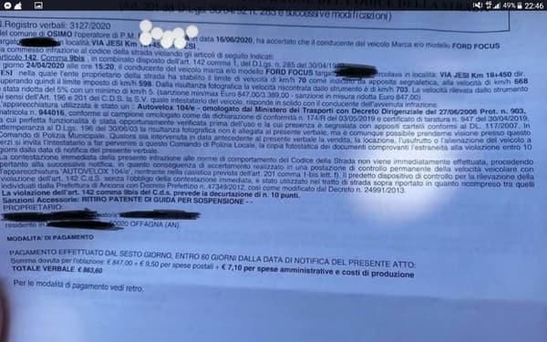 Une photo de l'amende a été partagée par une association d'automobilistes.