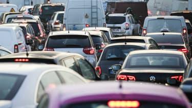 Image d'illustration - Des députés ont déposé un amendement pour interdire les publicités pour les voitures qui émettent plus de 60 grammes de CO2.