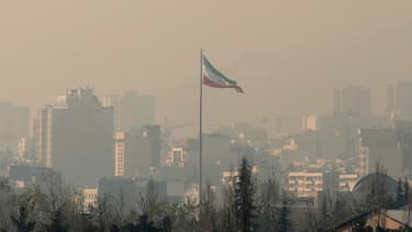 La pollution de l'air couvre Téhéran, en Iran, le 23 décembre 2019