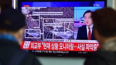 Des habitants de Séoul regardent les informations en provenance de Corée du Nord, le 6 janvier.