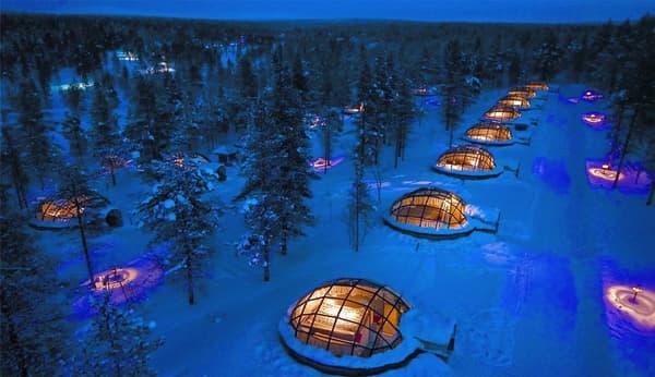 En Finlande, on peut dormir dans un igloo.