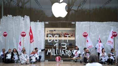 Attac s'en prend à Apple.