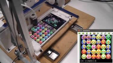 Un robot japonais qui gagne à tous les coups sur un certain jeu mobile fait fureur sur la Toile