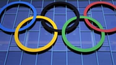 Adidas n'est plus l'équipementier exclusif du sport olympique français.