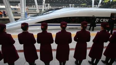 Le TGV chinois qui relie Canton à Pekin bat tous les records