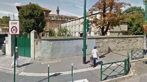 Le racket avait lieu dans cette zone, devant le collège privé Jeanne d'Arc, à Colombes.