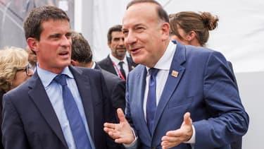 Pierre Gattaz, le patron du Medef, avec Manuel Valls le 27 août lors de l'université d'été du mouvement patronal.