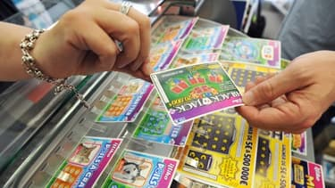 La Française des Jeux propose en moyenne une vingtaine de jeux dans ses points de vente.