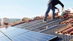 Mise en place de panneaux photovoltaiques pour diminuer la facture énergétique