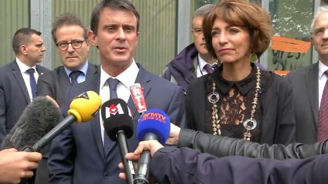Le premier ministre Manuel Valls à l'hôpital Necker le 15 juin 2016