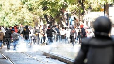 Affrontements entre manifestants et forces de l'ordre, à Tunis, le 8 février dernier.
