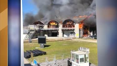 L'incendie de la gare téléphérique de Chamonix ce mardi.