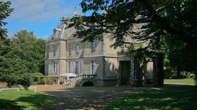 Ce château est à vendre pour 5,6 millions d'euros.