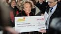 Bernadette Chirac, présidente des Pièces Jaunes, a récolté 400.000 euros pour la Maison Familiale Hospitalière de Lille en 2014.