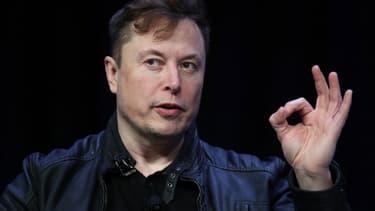 Elon Musk dénonce la décision des autorités qui empêche la reprise de la production de son usine située en Californie.